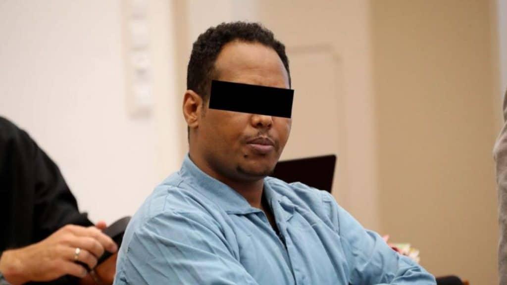 Происшествия: Происшествия в Альгое: беженец насиловал и кусал женщин