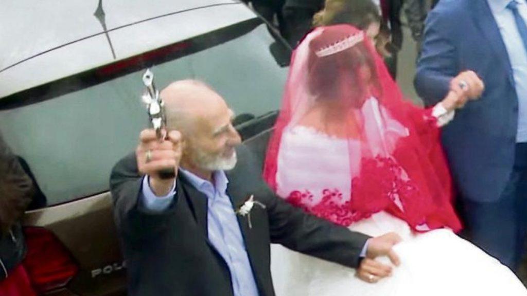 Происшествия: «Вам, немцам, сложно это понять»: гости турецкой свадьбы устроили громкую стрельбу
