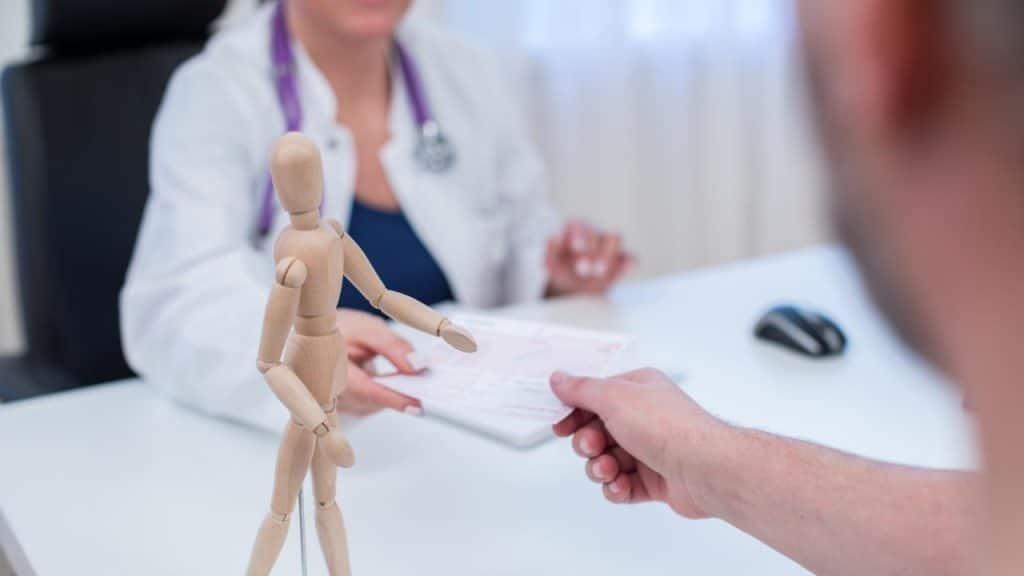 Общество: Жителям Германии грозят штрафы за слишком частые визиты к врачу
