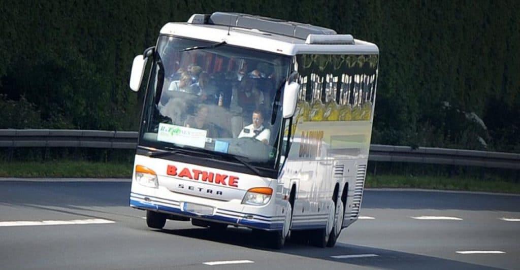 Отовсюду обо всем: 20 часов на заднем мосту автобуса: так 2 беженца попытались добраться в ФРГ